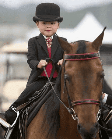 How to be perfect on horseback and baby