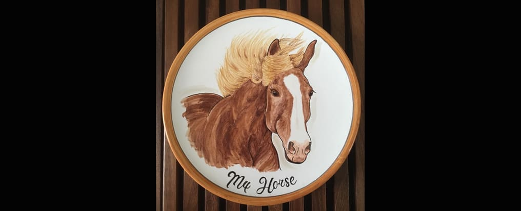 Your horse painted on a plate Piatto Finito