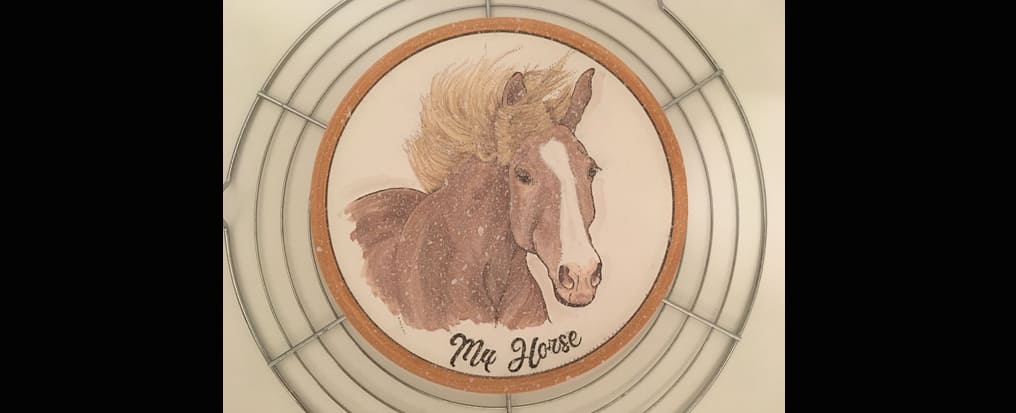 Your horse painted on a plate La Cristallinatura